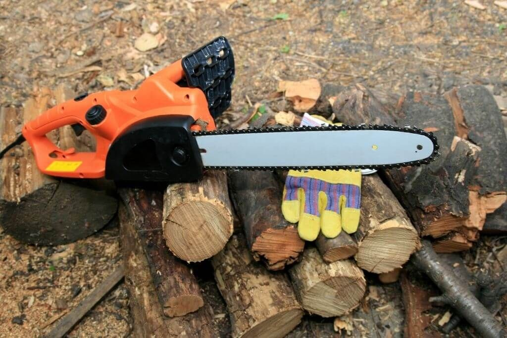 Best Electric Chainsaws 2021 - Reviews And Ultimate Guide