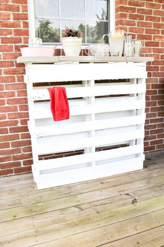 DIY Wood Pallet Bar Outdoor