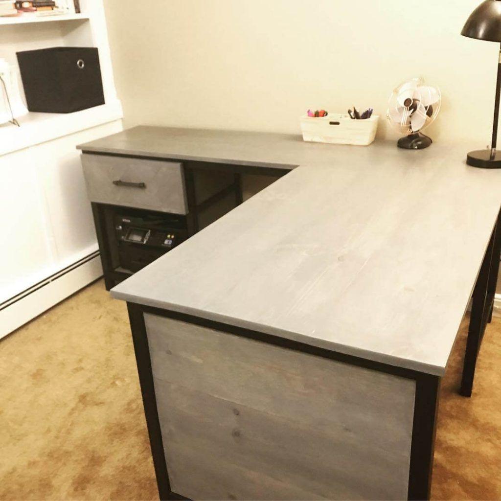 DIY Gorgeous Industrial Farmhouse Desk