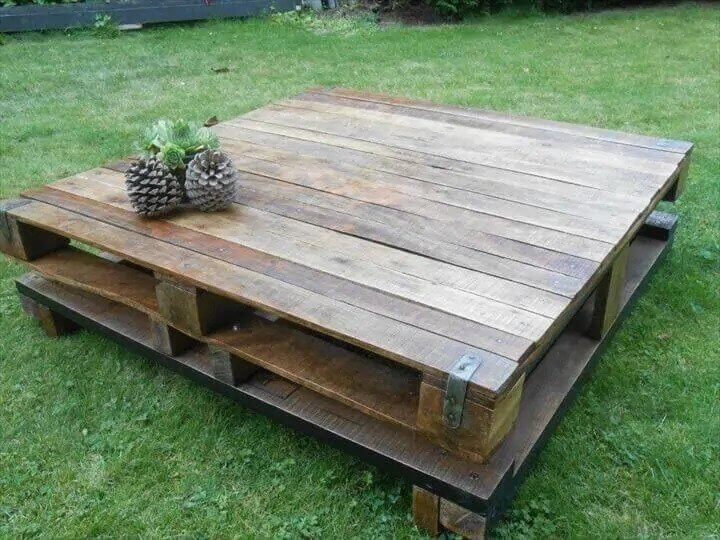 Rustic Outdoor Wood Pallet Coffee Table With Storage