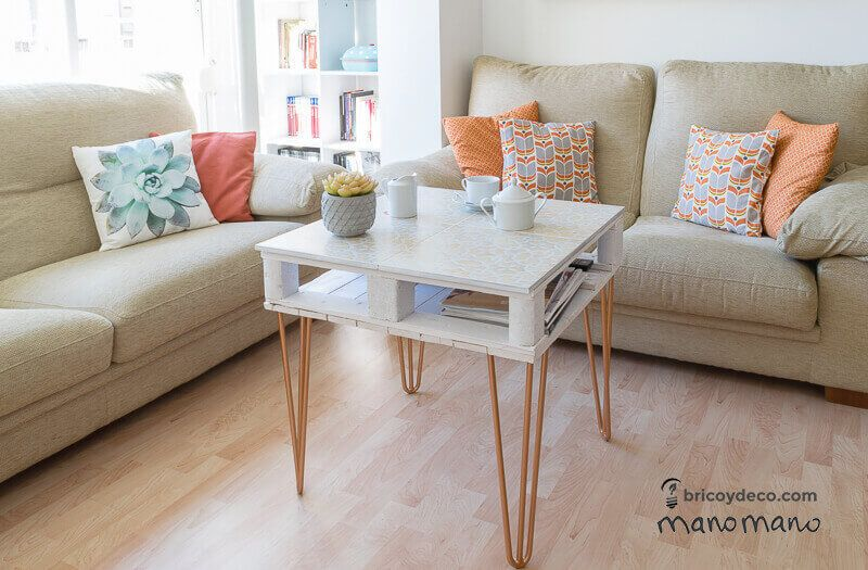 Tall Pallet Coffee Table With Metal Legs