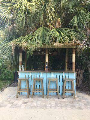 The Treekee Pallet Bar