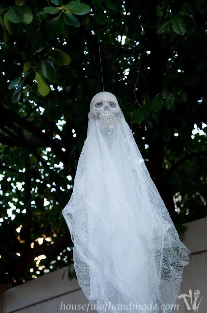 DIY Spooky Skull Ghosts