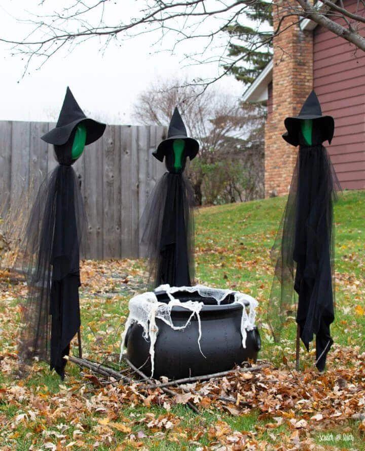Halloween Decorations 3 Witches With A Cauldron