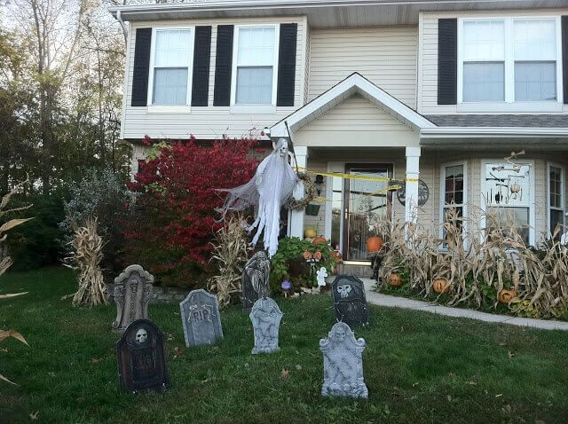 Haunted Graveyard and Spooky Great Outdoor Stuff