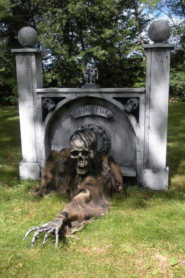 One-Armed Grave Grabber