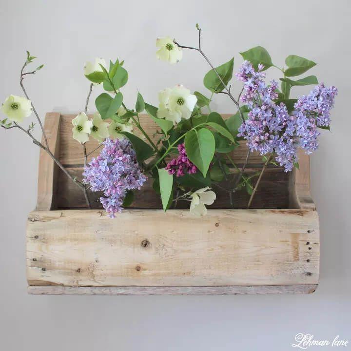 DIY Wood Pallet Flower Shelf