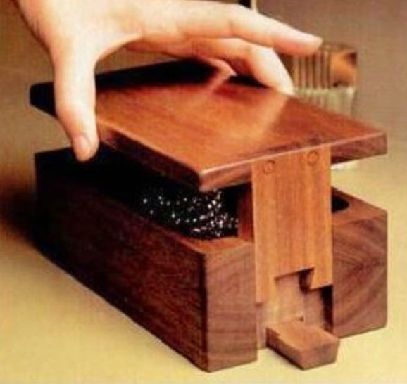 Dovetail Puzzle Box Plan
