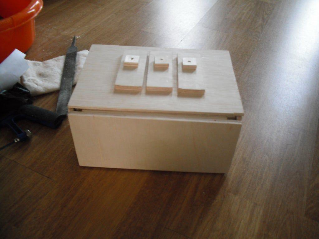 Simple Nine-Dot Puzzle Box