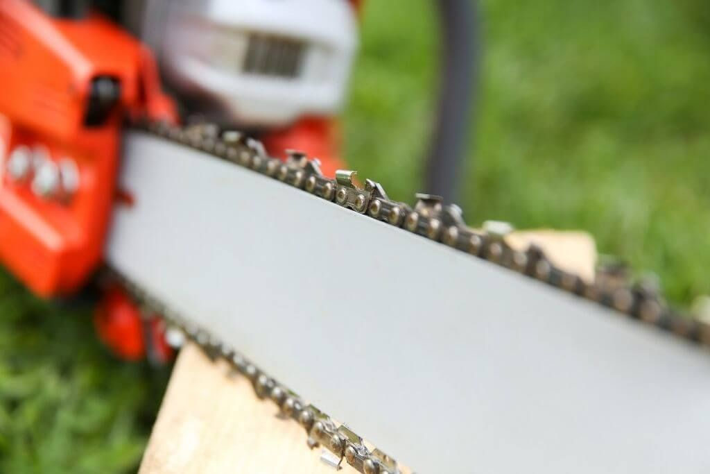 best chainsaw chain for cutting hardwood