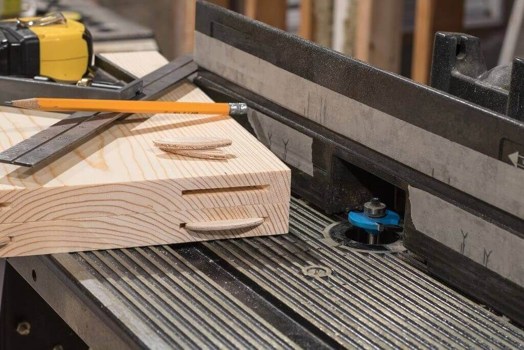 Best Router Tables 2021 - Reviews & Ultimate Buying Guide