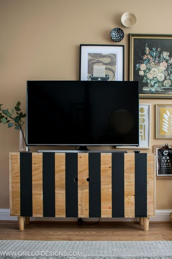 Easy DIY TV Stand