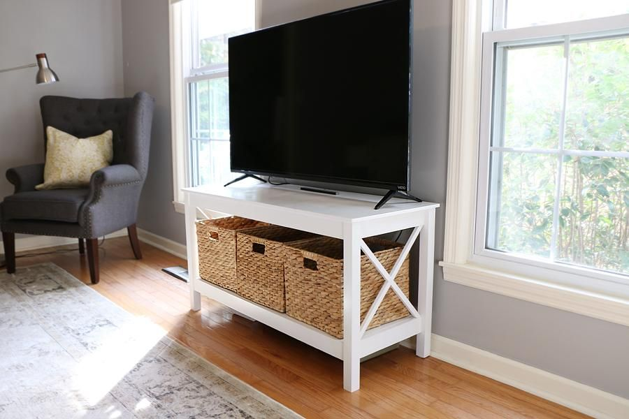 Kreg's DIY X-Leg TV Stand