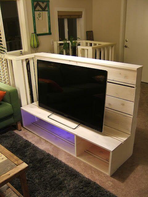 Nine Red's DIY TV Stand